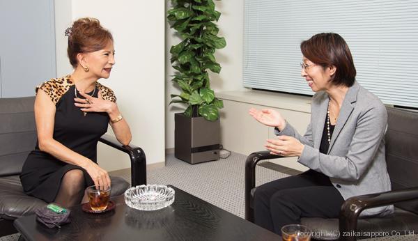釧路市出身2人が異色対談カルーセル麻紀「第2の原田康子誕生がうれしい ...